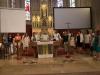 Fest 70 Jahre Pfarrkindergarten Gersthof in und um die Pfarrkirche.
