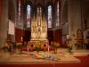 """Bunt war die Pfarrkirche innen gestaltete -- """"Eingangsfest"""" in das Gemeindejahr 2021/22 der Pfarre Gersthof-St.Leopold (Wien 18.,)"""