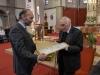 Verleihungs des Stefanusordens an Mitarbeiter der Pfarre Gersthof durch Weihbischof Dr. Helmut Krätzl - an Mag. Peter Kucera