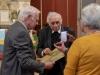 Verleihungs des Stefanusordens an Mitarbeiter der Pfarre Gersthof durch Weihbischof Dr. Helmut Krätzl - an Dr. Heinrich Bica